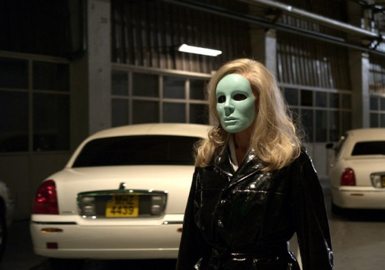 HOLY-MOTORS-BY-LEOS-CARAX-3